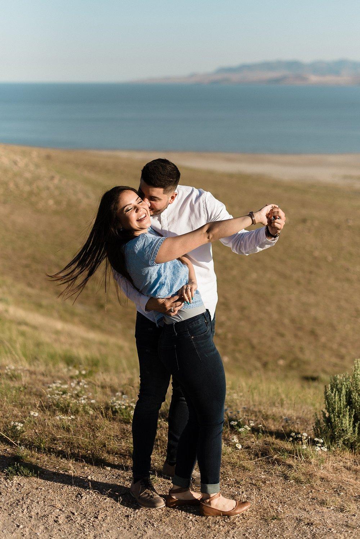 Zandra Barriga Photo - Jorge & Carolina | Sunrise Antelope Island Engagements_0017.jpg