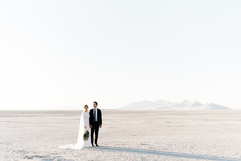 Zandra Barriga Photo - Cassie and Tristan Great Salt Lake Bridas_0007.jpg