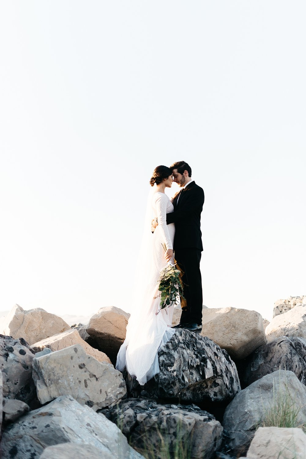 Zandra Barriga Photo - Cassie and Tristan Great Salt Lake Bridas_0009.jpg