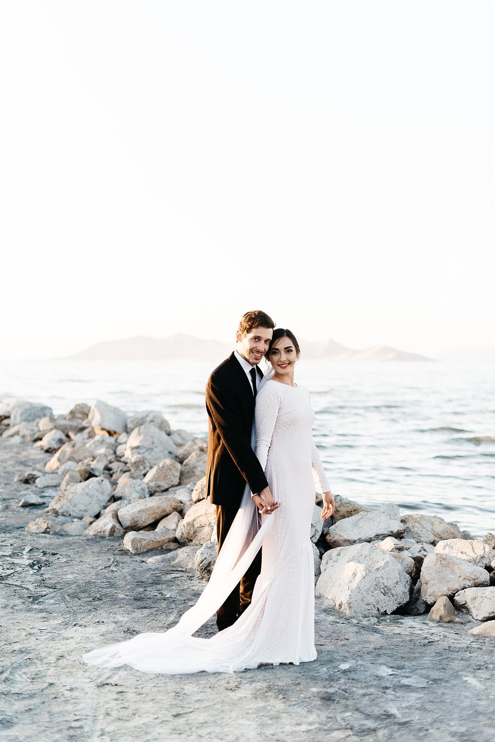 Zandra Barriga Photo - Cassie and Tristan Great Salt Lake Bridas_0011.jpg