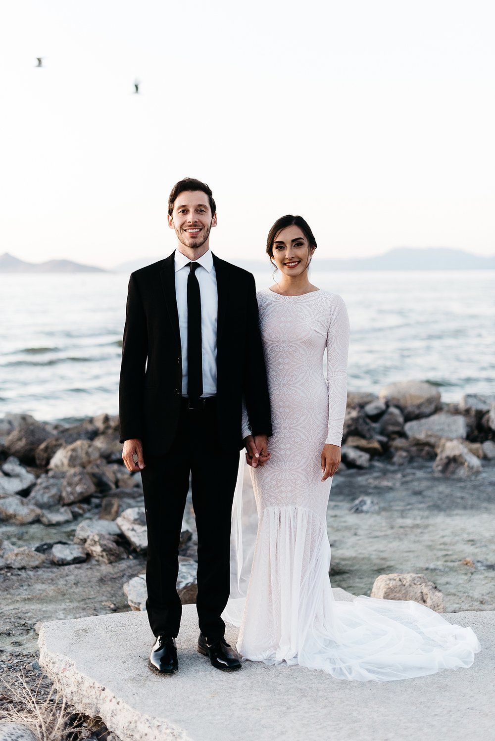 Zandra Barriga Photo - Cassie and Tristan Great Salt Lake Bridas_0018.jpg