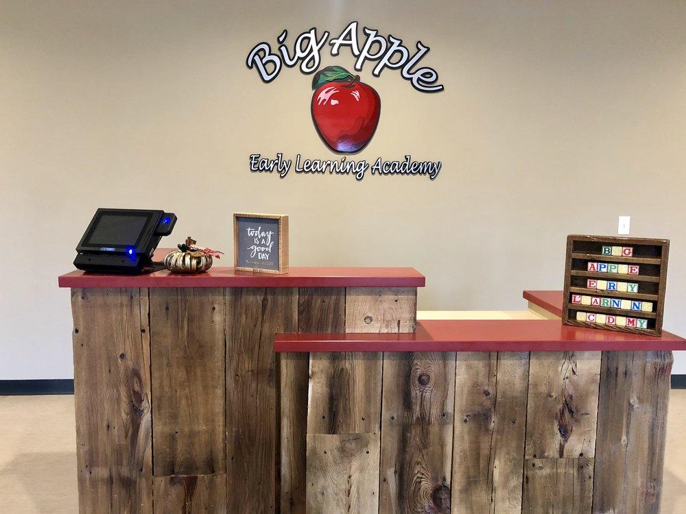 Big Apple Verona Front Desk.jpg