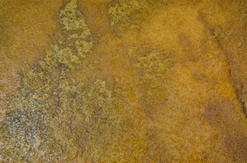 Micro-cement iron oxide
