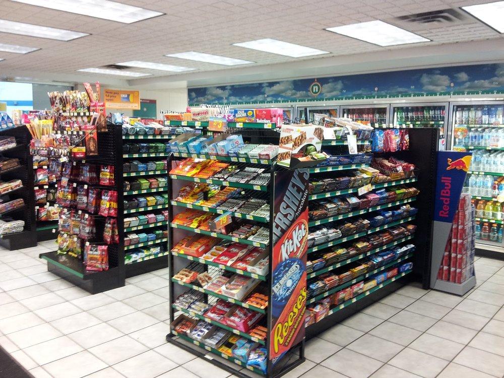convenience store hcmc.jpg