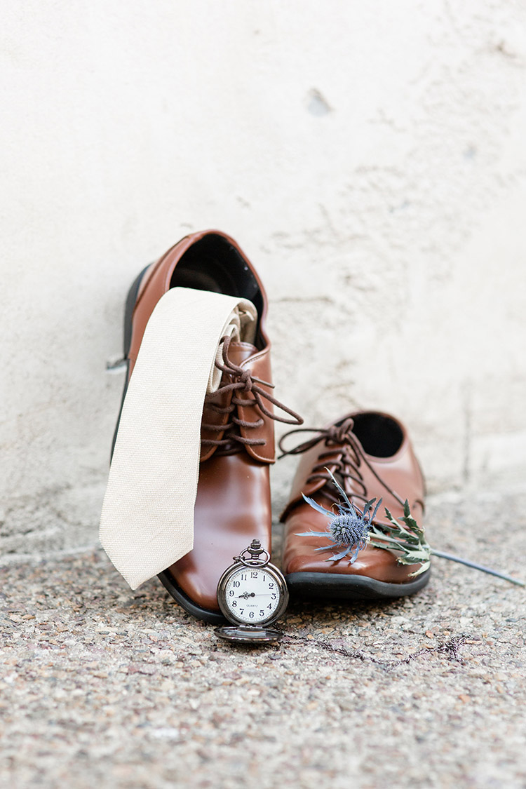 Day-of detail styling ideas. Menswear wedding detail