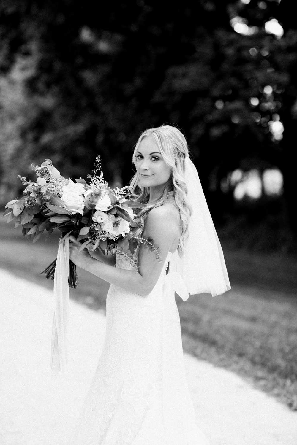 Photo: Lindsey Kay Photography | Bride: Danielle R.