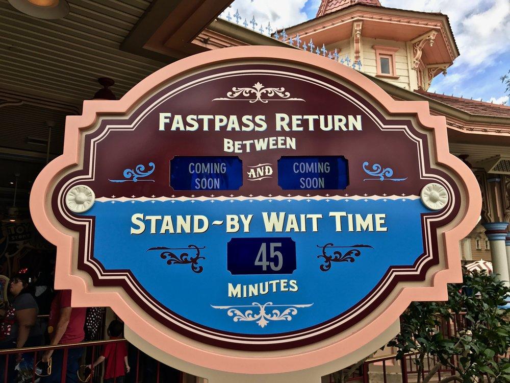 Toy Story Fastpass Disneyland