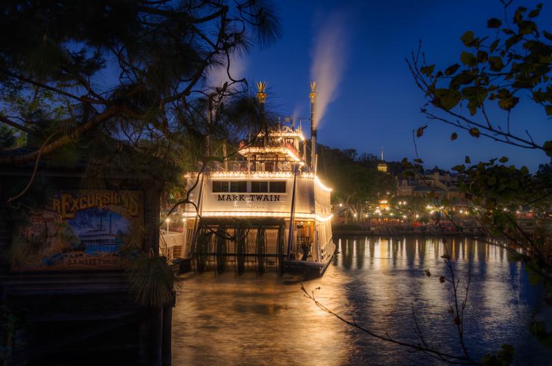 Fantasmic! Disneyland