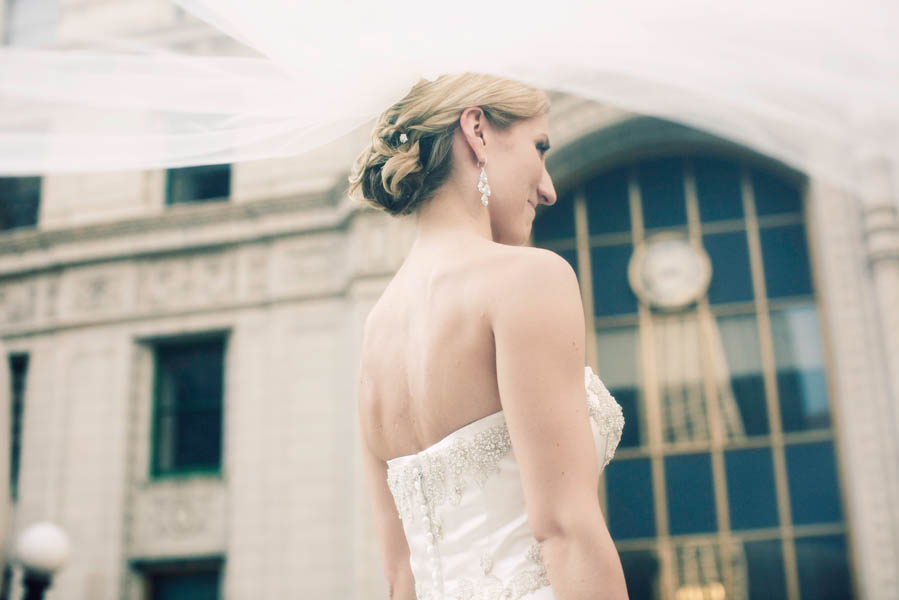 17. Alicia & Kris. Newberry Library Wedding. iLuvPhoto. Sweetchic Events. Bride. Veil.