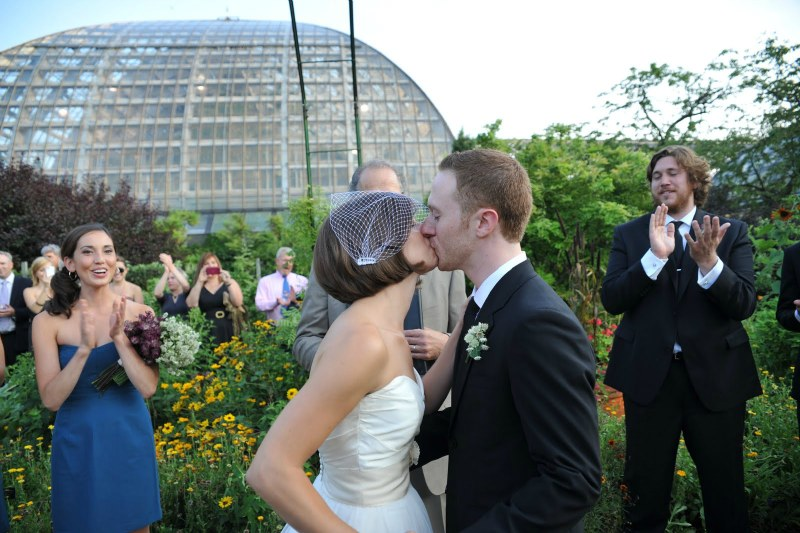 20  Garfield Park Conservatory Wedding Sweetchic Peter Coombs kiss