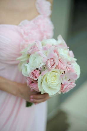 4 Erica Rose Photography pink bridesmaid Vale of Enna cream and pink mixed bouquet