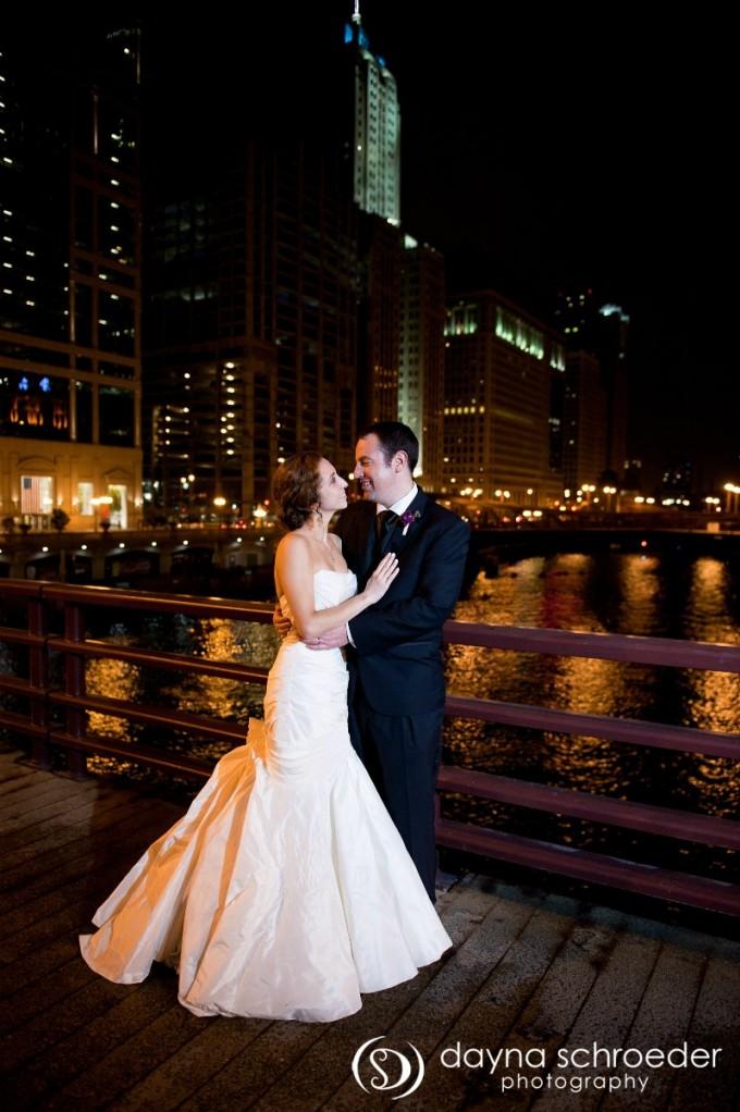 45 Westin River North chicago wedding sweetchic events dayna schroeder chicago river nighttime
