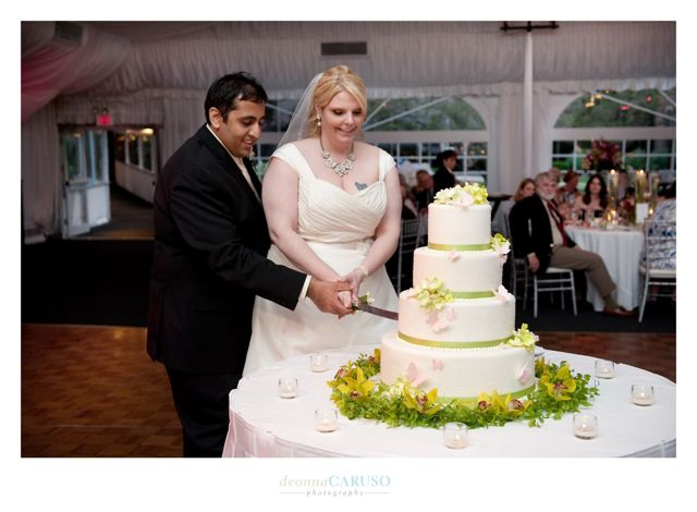 32. Sarah & Rajan. Westin Itasca Wedding. Deonna Caruso Photography. Sweetchic Events. Sarah's Pastries & Candies.