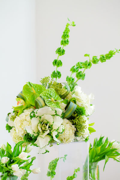 Sweetchic green modern fresh tablescape hinojosa photography. loft. tall centerpiece