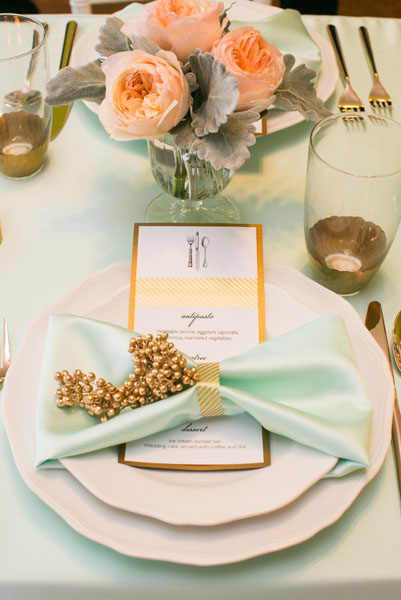 Mint Linens, Gold Menu. Peach Peonies and Dusty Miller Accents. Sweetchic Events. Flor Del Monte. Hinojosa Photography. I Do Event.