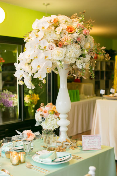 White Orchids, White and Peach Rose, with Gold Accent Centerpiece. Sweetchic Events. Flor Del Monte. Hinojosa Photography. I Do Event.