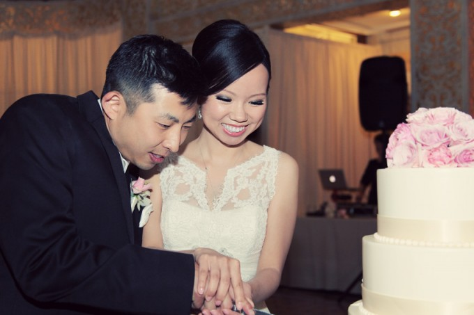 46. Rookery Wedding. Kevin Le Photography. Sweetchic Events. Cake Cutting.