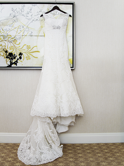5. Rookery Wedding. Kevin Le Photography. Sweetchic Events. Bride's all lace dress.