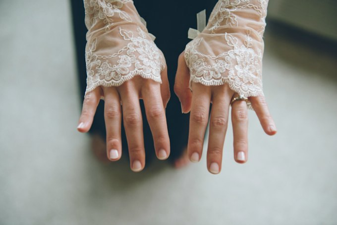 Ida Noyes Theater Wedding. Rose Tinted Lens Photography. Sweetchic Events. Fingerless Lace Bridal Gloves.