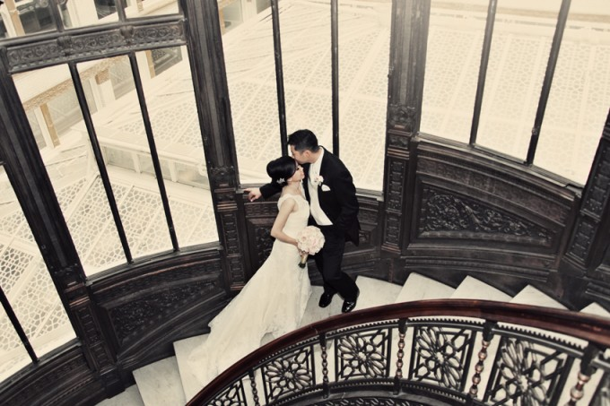 34. Rookery Wedding. Kevin Le Photography. Sweetchic Events. Bride and Groom on Rookery Staircase.