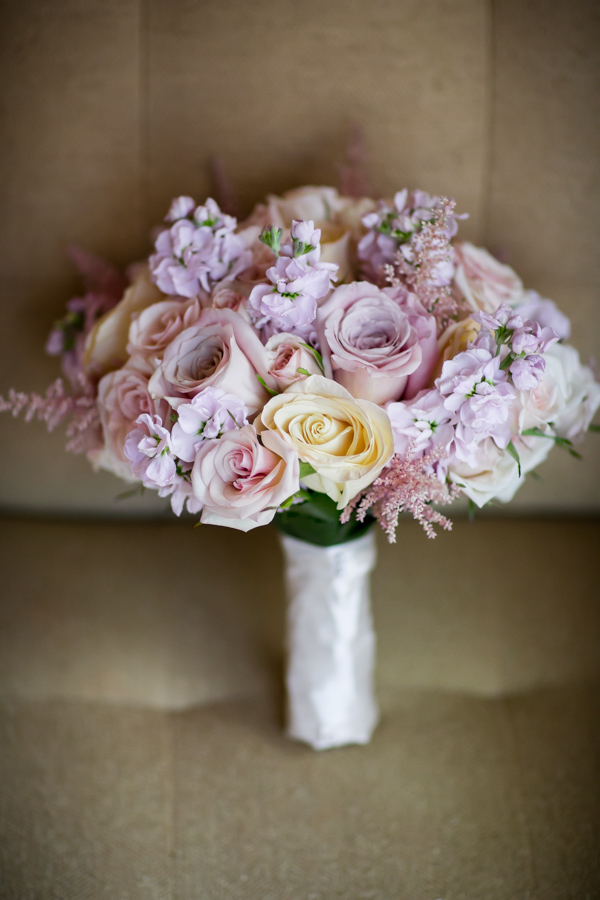 7. Union Station Wedding. Steve Koo Photography. Sweetchic Events. Flower Firm. romantic Bouquet with light pink astilbe, Sahara roses, light pink stock.