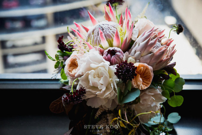 1-langham-wedding-steve-koo-photography-sweetchic-events-vale-of-enna-moody-romantic-wedding-king-protea-bouquet-wine-pink