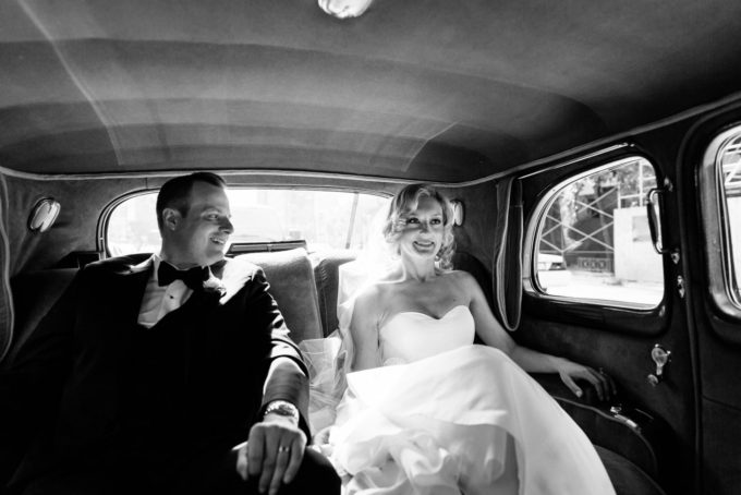 17-blackstone-chicago-wedding-pen-carlson-sweetchic-events-classic-car-vintage-bride-capone-car-transportation