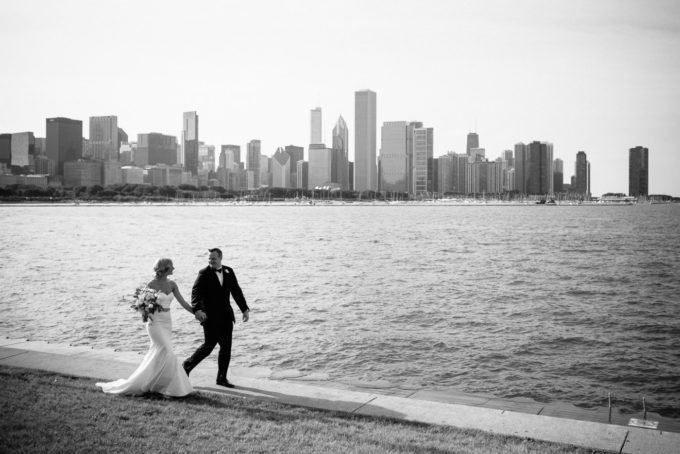 24-blackstone-chicago-wedding-pen-carlson-sweetchic-events-bride-and-groom-skyline-classic-black-and-white