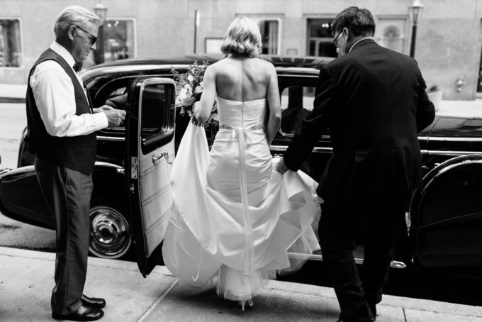 7-blackstone-chicago-wedding-pen-carlson-sweetchic-events-bride-vintage-classic-car-capone-car-transportation