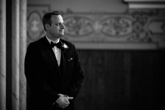 9-blackstone-chicago-wedding-pen-carlson-sweetchic-events-groom-ceremony-church