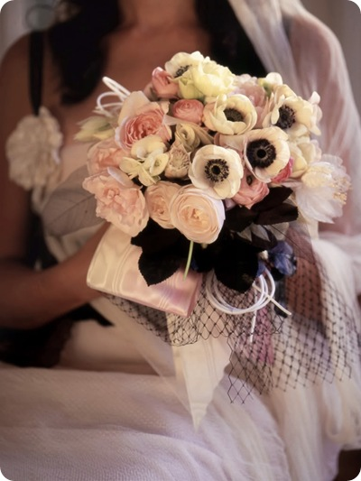 3-black-and-pink-bouquet-anemones