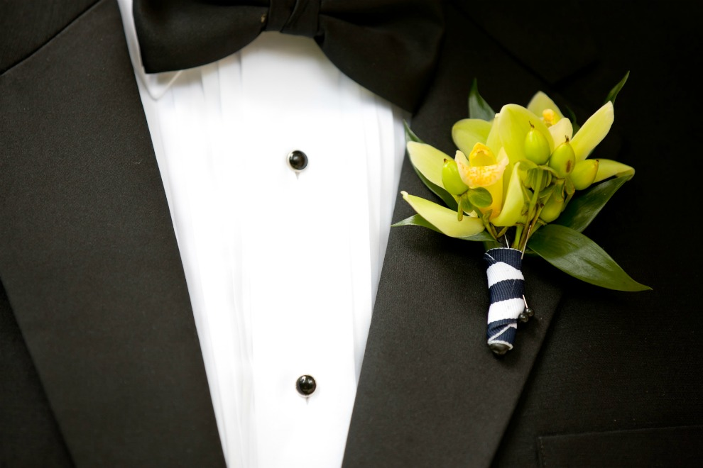 8 Chicago History Museum wedding Dennis Lee Photography Sweetchic mini cymbidium orchid boutonniere navy white grosgrain ribbon wrap