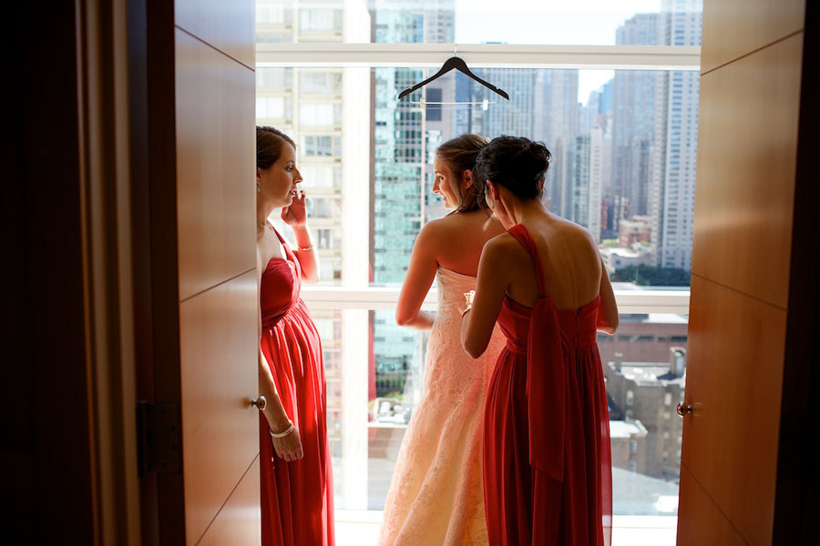Chicago History Museum. Steve Koo Photography. Sweetchic Events. Bride Getting Ready.