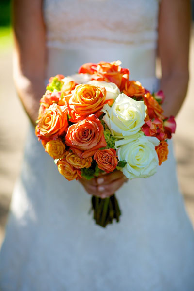 Chicago History Museum. Steve Koo Photography. Sweetchic Events. EP2. White Rose, Tangerine Spray Rose Bouquet