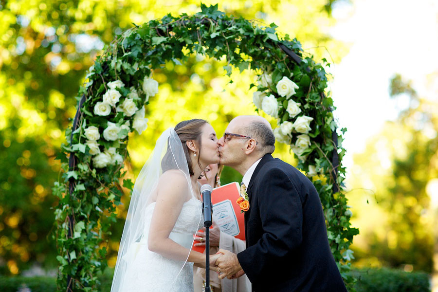 Chicago History Museum. Steve Koo Photography. Sweetchic Events. The Kiss. English Ivy and White Rose Arbor