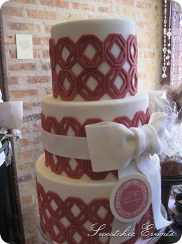 Flour wedding cake