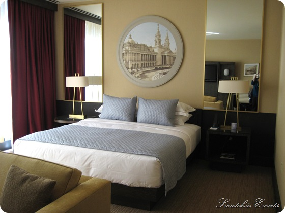 Hotel Palomar Chicago King guestroom