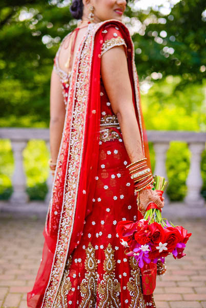 Indian Wedding. Botanic Gardens Wedding. Fragola Productions. Sweetchic Events. Exquisite Designs. Red Rose, Pink Mokara Orchids, Hot Pink Celosia Bouquet