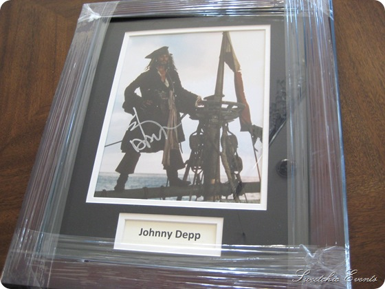 Johnny Depp Pirates Autographed pic
