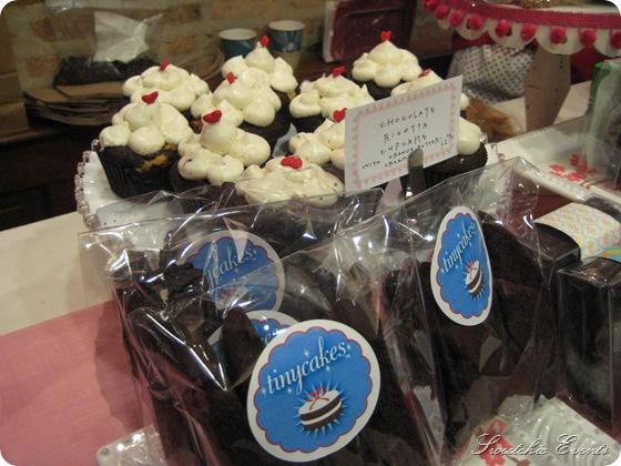 Tinycakes cupcakes biscotti  Chicago