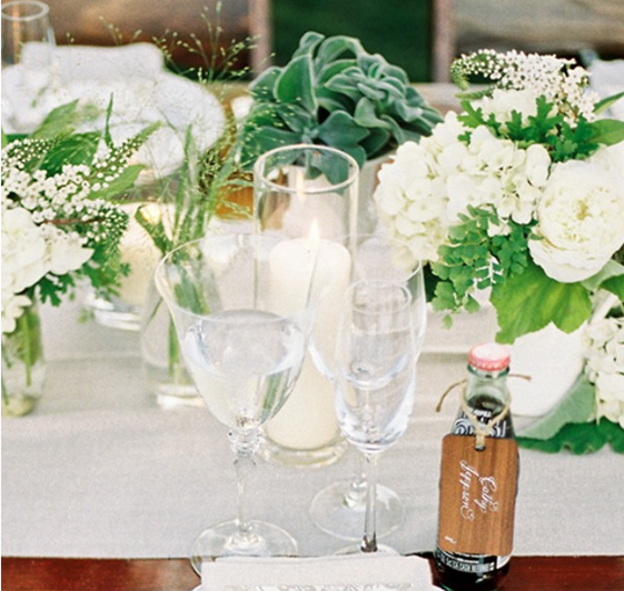 Steve Steinhardt Photography  via  Style Me Pretty ; Florals by  Holly Flora