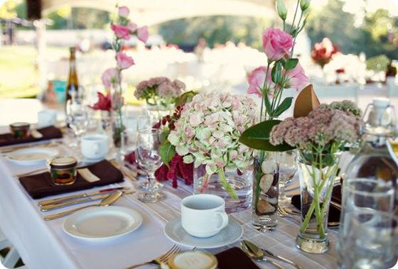 simple rustic outdoor wedding hydrangea centerpiece