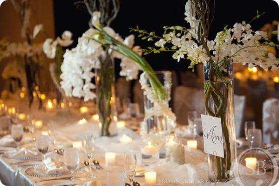 white tablescape orchids calla willow