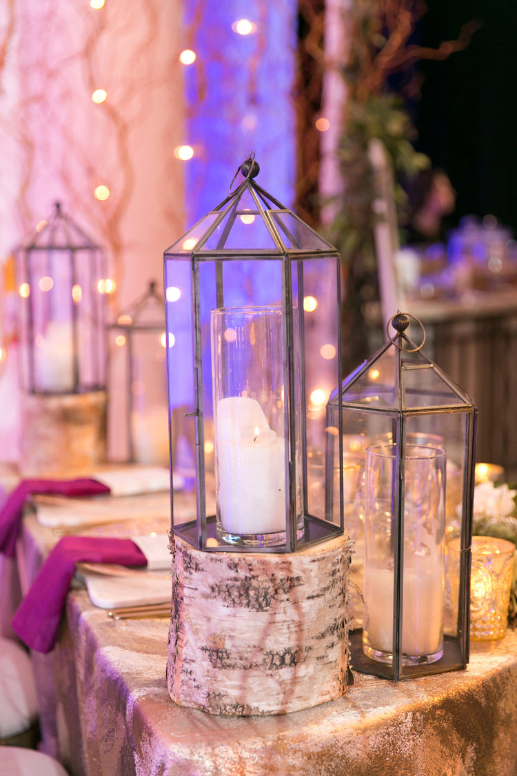 lanterns on sweetheart table
