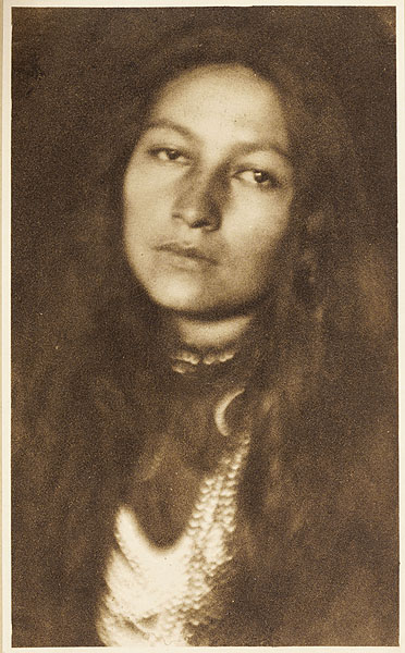 Zitkala-Sa, as photographed by Joseph Keiley in 1901. Public Domain.