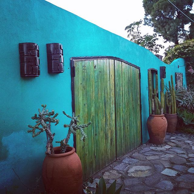 Colorful Baja. Love the use of color. #lamision #baja #mexico #door