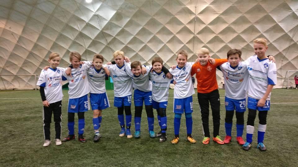 Kuva Janne Rajamäki / kuvassa pojat vasemmalta: Severi, Miika, Eero, Samuli, Eemeli, Mika, Tuukka, Rasmus, Valtteri, Veikka