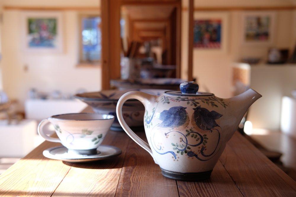 Kinsman Blake Gallery, Smailholm, Ceramics, Bird design Teapot