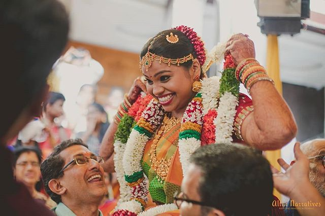 And that's how it's done... . . . . . . . . . #tambhramwedding #tamilwedding #funwedding #weddingfun #letthegamesbegin #bridetrends #happybridesaretheprettiest #happybride #beautifulbride #bridestory #southindianwedding #bigfatsouthindianwedding #weddingtraditions #candidweddingphotography #weddingmoment #weddingphotography #shopzters  #asianphotography #betterphotographymagazine #zowed #mywed