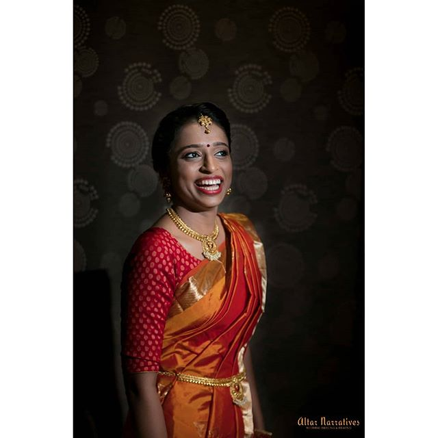 If only all bride's could strike a pose just as effortlessly as Bhavana ❤️. . . . . . . . . . . #bridestory #instabride #engagement #hitched #givesaisomebhav #altarnarratives #prettybride #southindianbride #happybridesaretheprettiest #magnetmod #madewithmagmod #magmod #godox #weddingphotography #candidweddingphotography #wpaigram #shopzters #pepprofessionals
